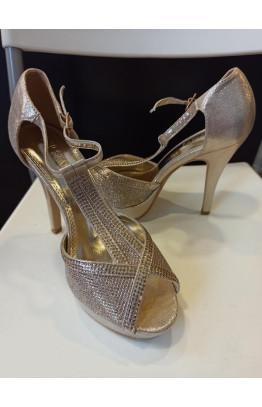 Sandalia de fiesta dorada